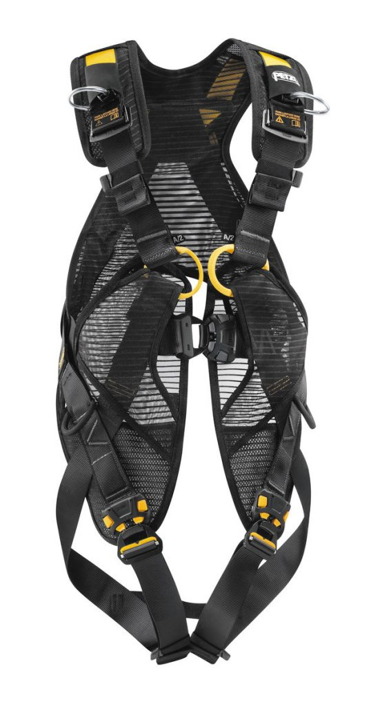 COMFORTABLE AND QUICK-DONNING FALL ARREST HARNESS